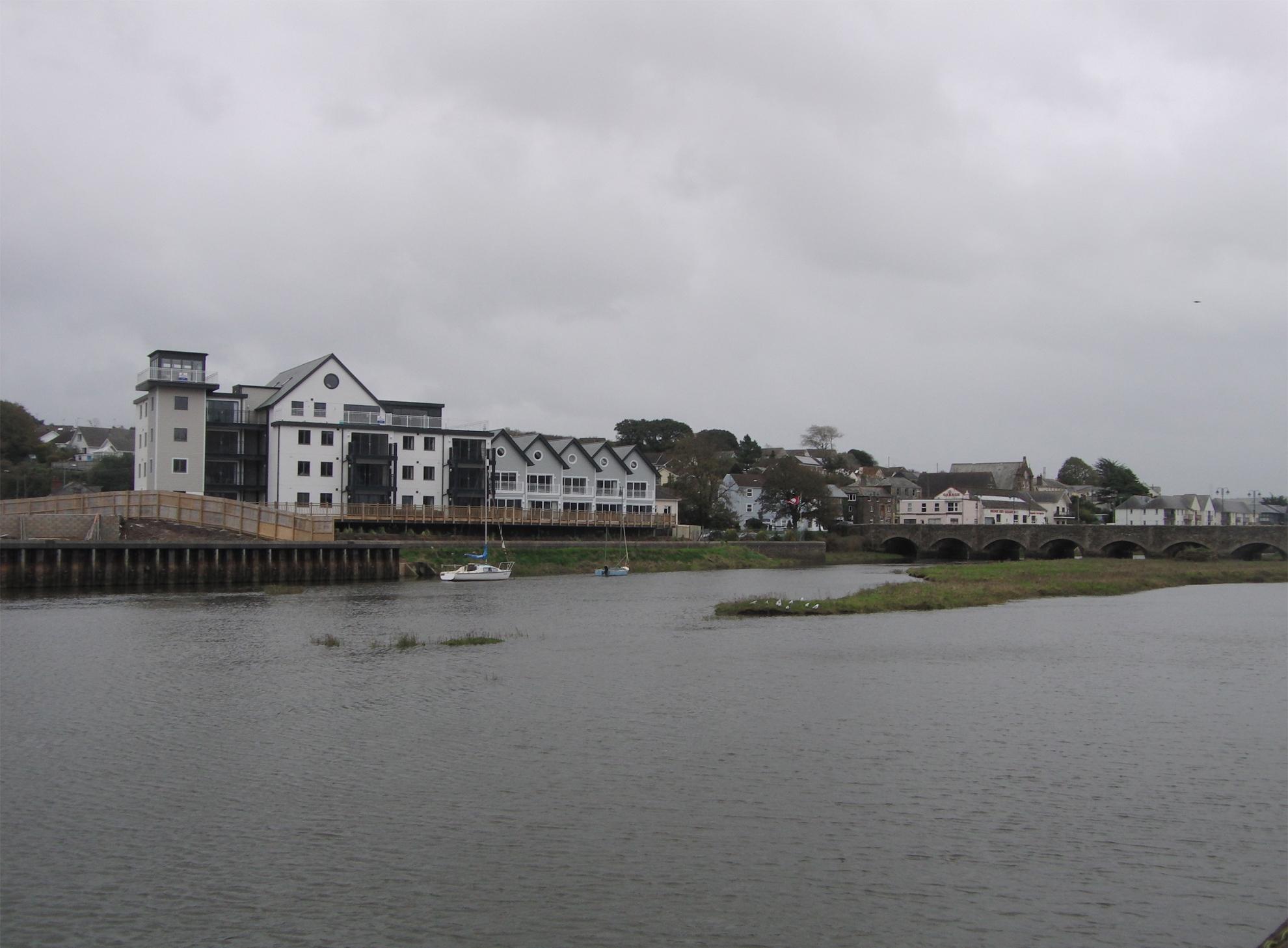 bradfords-quay-outside