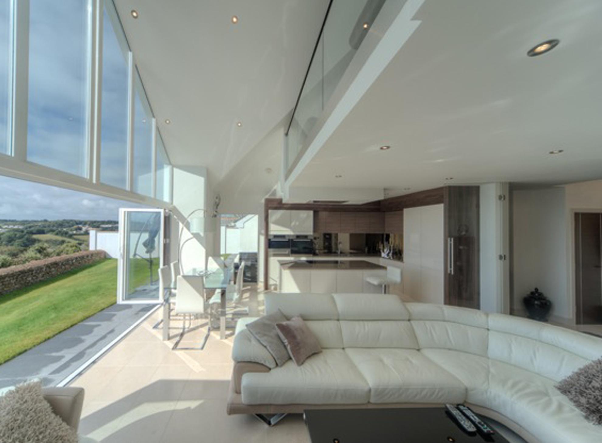 carlyon-bay-lounge2