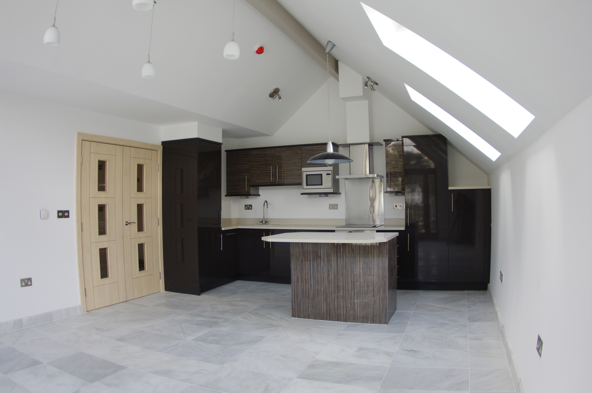 luxury-looe-kitchen