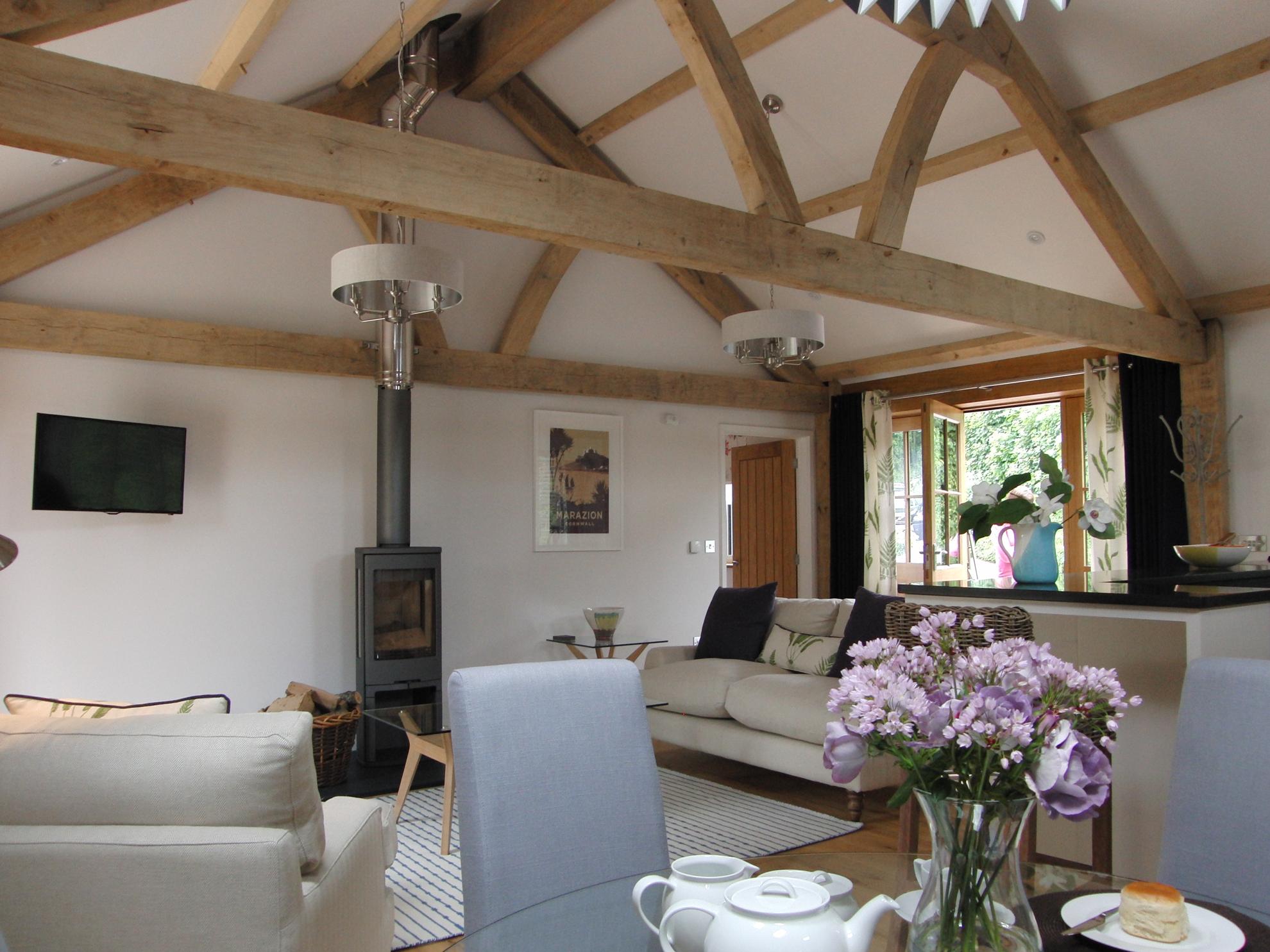 interior-prideaux-holiday-unit2