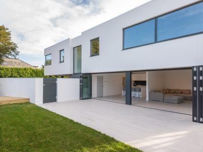 chi-neuvella-rock-exterior-house-2